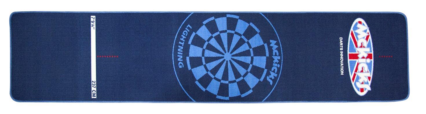 Carpet Dartmat 300x65 cm - Blauw. Dit is een erg mooie dart mat met het McKicks logo. Deze dart mat heeft de afmetingen 300x65 centimeter. De stoffen mat is mooi afgewerkt en heeft een blauwe kleur.